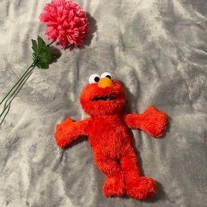 Tickle me Elmo toy ❤️